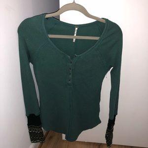 Free People green long sleeve shirt